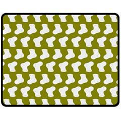Cute Baby Socks Illustration Pattern Fleece Blanket (Medium)