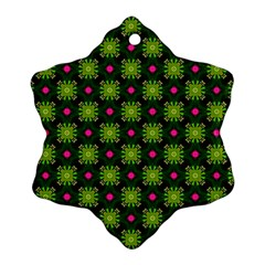 Cute Pattern Gifts Snowflake Ornament (2 Side)