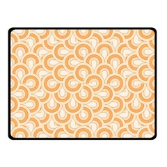 Retro Mirror Pattern Peach Fleece Blanket (small)