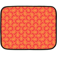Retro Mirror Pattern Red Fleece Blanket (mini)