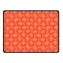 Retro Mirror Pattern Red Fleece Blanket (small)