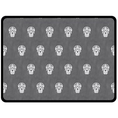 Skull Pattern Silver Fleece Blanket (Large)