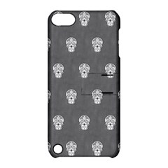 Skull Pattern Silver Apple iPod Touch 5 Hardshell Case with Stand