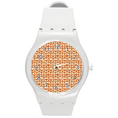 Orange And White Owl Pattern Round Plastic Sport Watch (M)