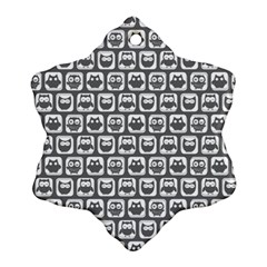 Gray And White Owl Pattern Snowflake Ornament (2 Side)