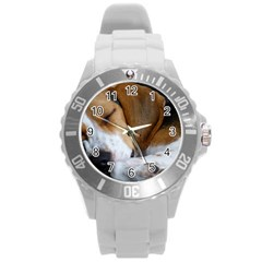Beagle Sleeping Round Plastic Sport Watch (L)