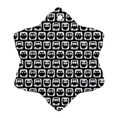 Black And White Owl Pattern Snowflake Ornament (2-Side)