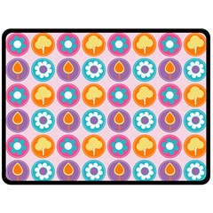 Chic Floral Pattern Double Sided Fleece Blanket (Large)