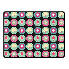 Chic Floral Pattern Double Sided Fleece Blanket (Small)