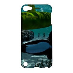 Submarine With Orca Apple iPod Touch 5 Hardshell Case