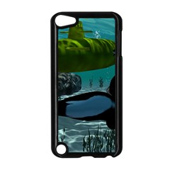 Submarine With Orca Apple iPod Touch 5 Case (Black)