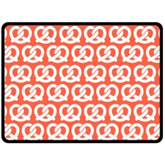 Coral Pretzel Illustrations Pattern Fleece Blanket (large)