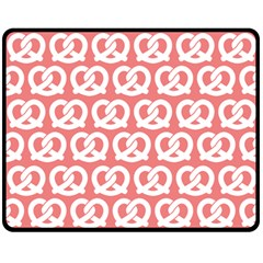 Chic Pretzel Illustrations Pattern Fleece Blanket (Medium)