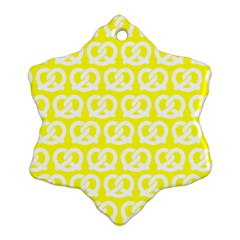 Yellow Pretzel Illustrations Pattern Snowflake Ornament (2 Side)