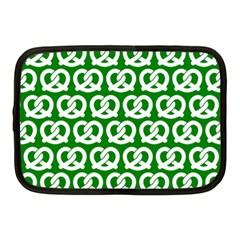 Green Pretzel Illustrations Pattern Netbook Case (Medium)