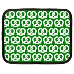 Green Pretzel Illustrations Pattern Netbook Case (XL)