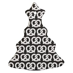Gray Pretzel Illustrations Pattern Ornament (christmas Tree)