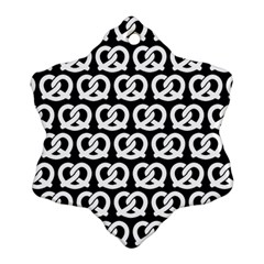 Black And White Pretzel Illustrations Pattern Snowflake Ornament (2 Side)