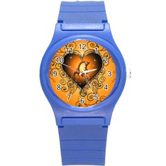 Funny Cute Giraffe With Your Child In A Heart Round Plastic Sport Watch (S)