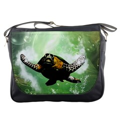 Beautiful Seaturtle With Bubbles Messenger Bags