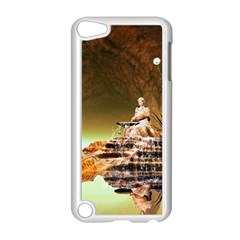 Wonderful Undergraund World Apple iPod Touch 5 Case (White)