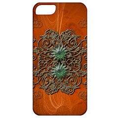 Wonderful Floral Elements On Soft Red Background Apple iPhone 5 Classic Hardshell Case