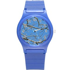 Leafless Tree Branches Against Blue Sky Round Plastic Sport Watch (S)