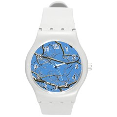 Leafless Tree Branches Against Blue Sky Round Plastic Sport Watch (M)