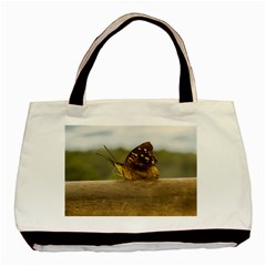 Butterfly against Blur Background at Iguazu Park Basic Tote Bag