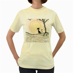 Black Cat On Halloween In Creepy Forest  Women s Yellow T Shirt