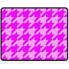 Houndstooth 2 Pink Fleece Blanket (Medium)