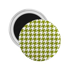 Houndstooth Green 2.25  Magnets