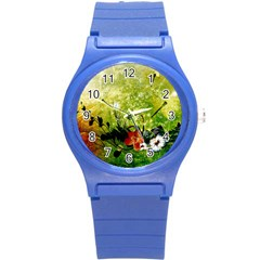 Awesome Flowers And Lleaves With Dragonflies On Red Green Background With Grunge Round Plastic Sport Watch (S)