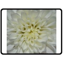 White Flowers Fleece Blanket (large)