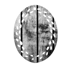 BLACK AND WHITE FENCE Ornament (Oval Filigree)
