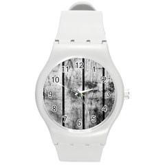 BLACK AND WHITE FENCE Round Plastic Sport Watch (M)