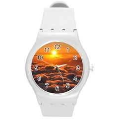 SUNSET OVER CLOUDS Round Plastic Sport Watch (M)