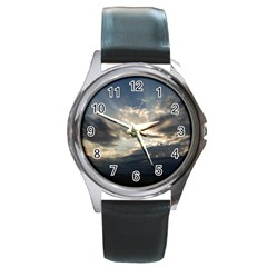 HEAVEN RAYS Round Metal Watches