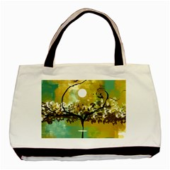 She Open s to the Moon Basic Tote Bag