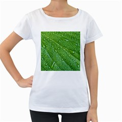 GREEN LEAF DROPS Women s Loose-Fit T-Shirt (White)