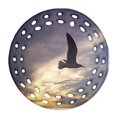 Fly Seagull Round Filigree Ornament (2Side)