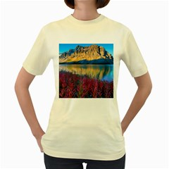 BANFF NATIONAL PARK 1 Women s Yellow T-Shirt