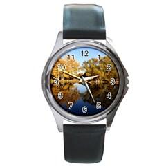 AUTUMN LAKE Round Metal Watches
