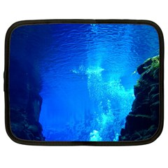 UNDERWATER TRENCH Netbook Case (Large)
