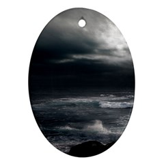 OCEAN STORM Oval Ornament (Two Sides)