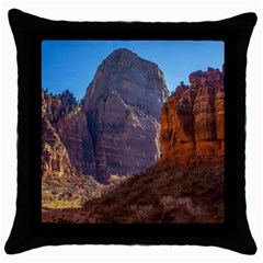 ZION NATIONAL PARK Throw Pillow Cases (Black)