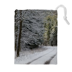 SNOW ON ROAD Drawstring Pouches (Extra Large)