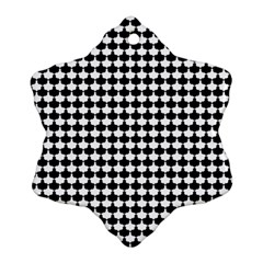 Black And White Scallop Repeat Pattern Snowflake Ornament (2-Side)