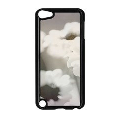 BLACK AND WHITE FLOWER Apple iPod Touch 5 Case (Black)