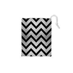 Chevron9 Black Marble & Silver Brushed Metal (r) Drawstring Pouch (xs)